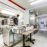 Realisation-rosny-sous-bois-restaurant-rigatoni-personnel-en-cuisine-vue-2