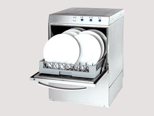 lave-vaisselle-professionnel-ouverture-frontal